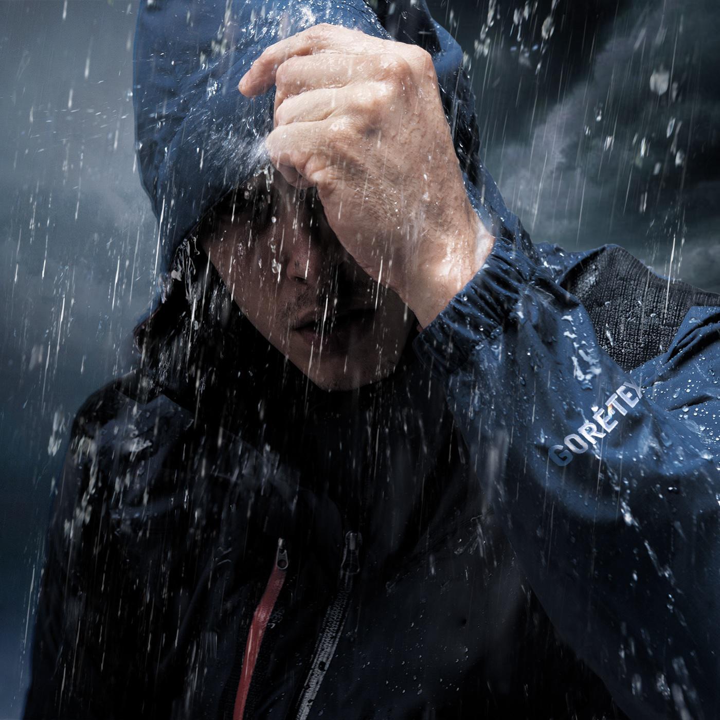 When is a garment waterproof? | GORE-TEX Brand